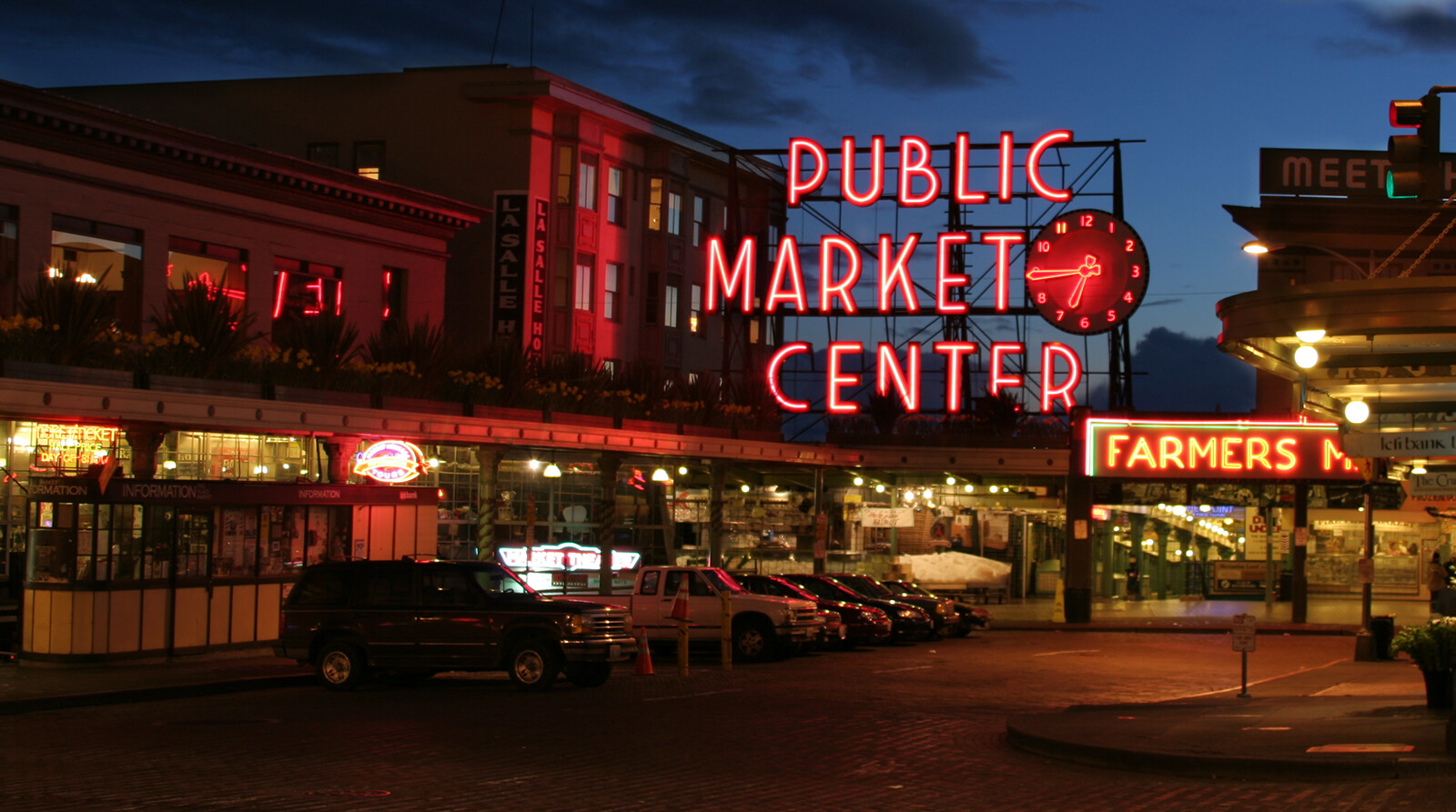 Pike Place Market in Seattle, Washington, one of the best destinations for solo female travelers