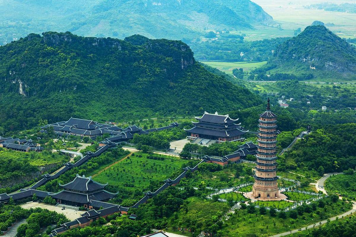 Bai Dinh Buddhist temples in Ninh Bình province, Vietnam