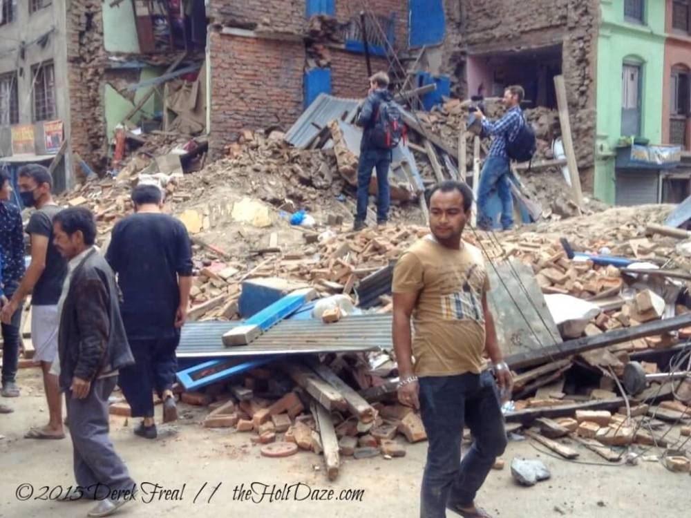 Mere minutes after the first quake ended, foreigners could be seen crawling atop rubble without any consideration to the fact that people could be buried alive underneath them.