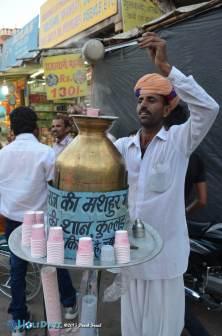Chai vendor at the Pushkar Camel Fair 2015
