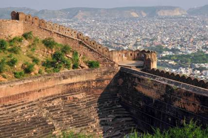 The wall around Nahargarh Fort in Jaipur, Rajasthan, India