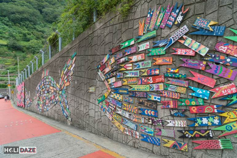 The 2,000 painted wooden fish through Gamcheon have an interesting story behind them....