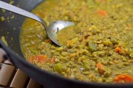 image from http://ohsheglows.com/2011/01/18/curried-lentil-soup/