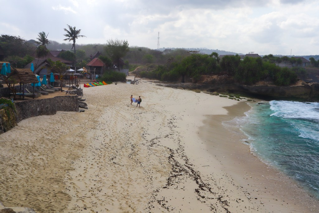 dream beach in nusa lembongan