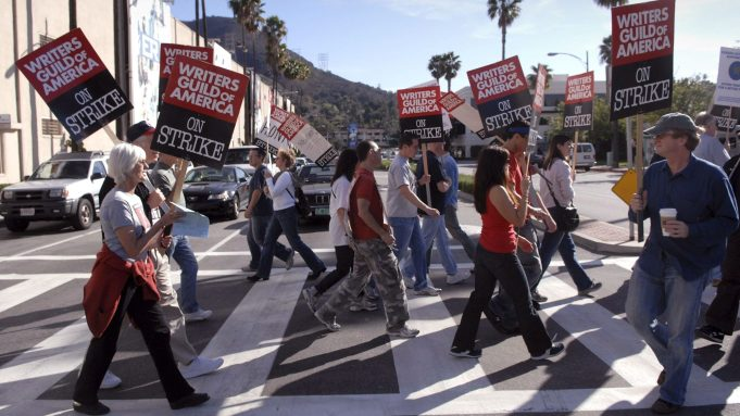 wga-strike-2008-e1557422788105