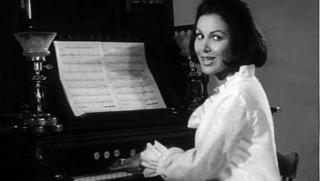 Joan+playing+piano