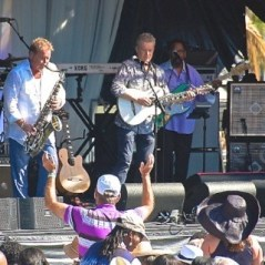 Peter White playing his white guitar Euge Groove on sax. (Photo Credit: SHERYL ARONSON)