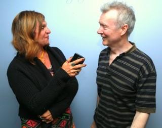 THT's Sheryl Aronson interviewing Pater White, guitarist.
