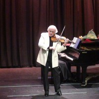 90-Year-Old Violinist Daniel Shindarov Amazes at the Opening Concert