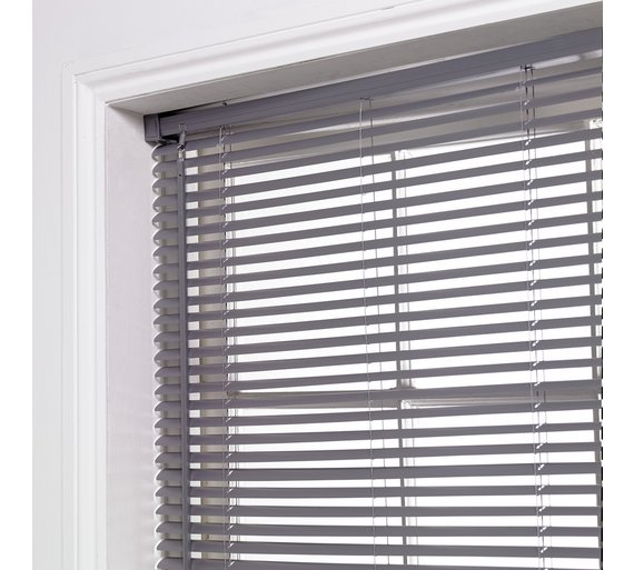 Examples of venetian window blinds