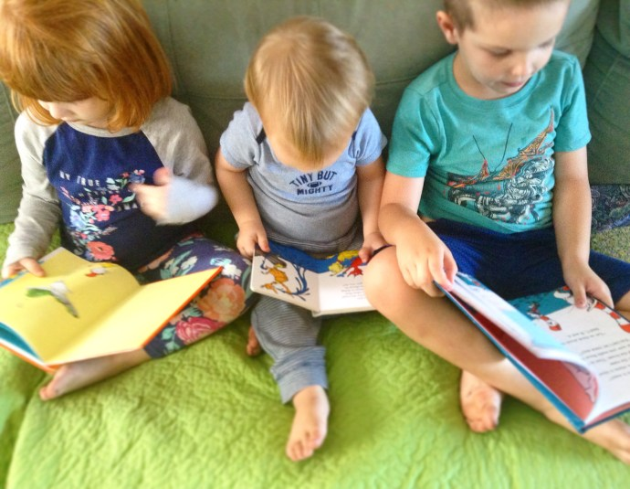 How to select the BEST reading program for kids with dyslexia. 3 tips, plus our top choices in homeschool curriculum that will inspire your child! #dyslexia #homeschoolcurriculum #reading #raisingreaders #learntoread