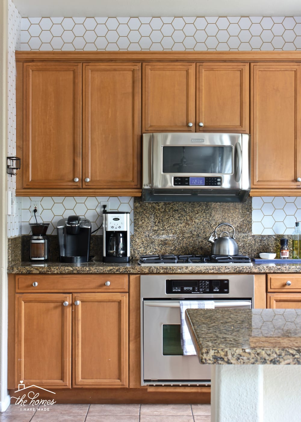 how to wallpaper a backsplash the