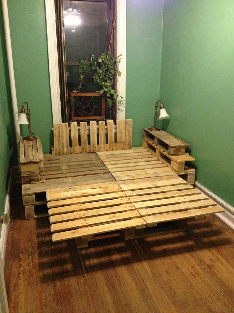 A pallet bed | Construction and DIY projects | Forums ... on Bed Pallet Design  id=63738