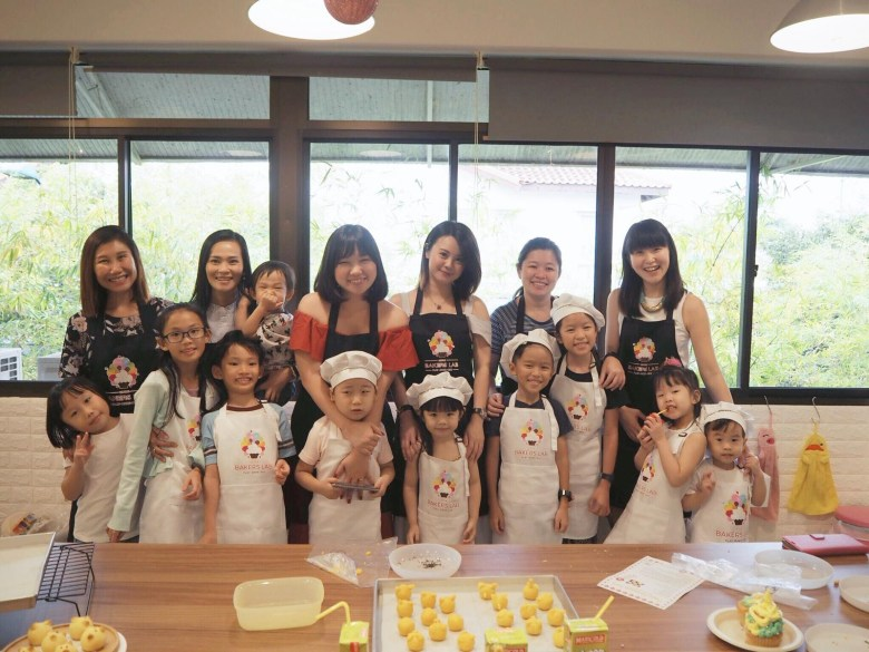 kids baking class mommy blogger review