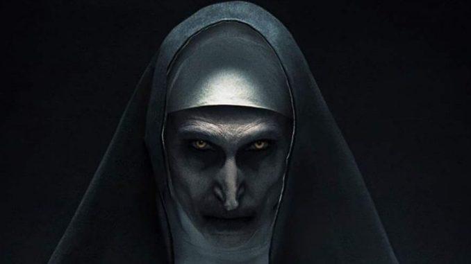Mníška / The Nun