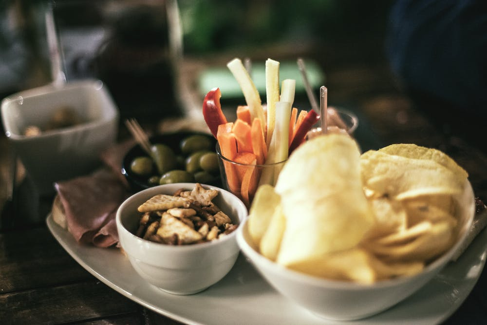 healthy snack ideas, chips and veggies