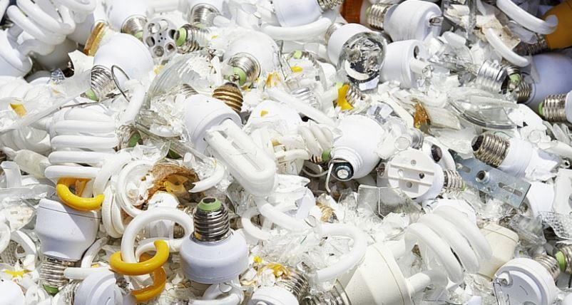 Fluorescent bulbs, used