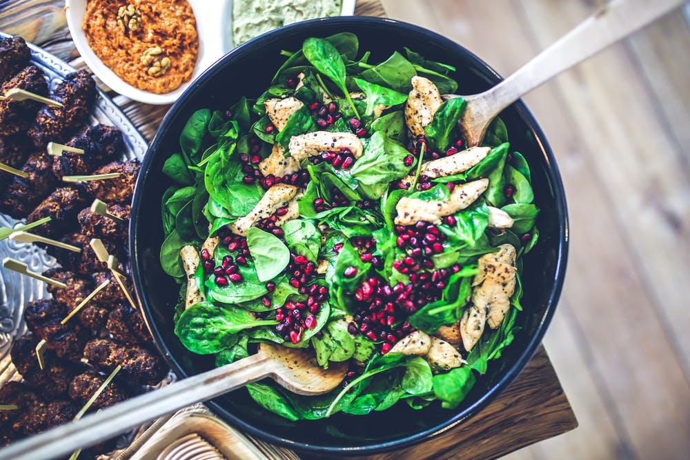 zinc, mushroom, spinach and berries on salad