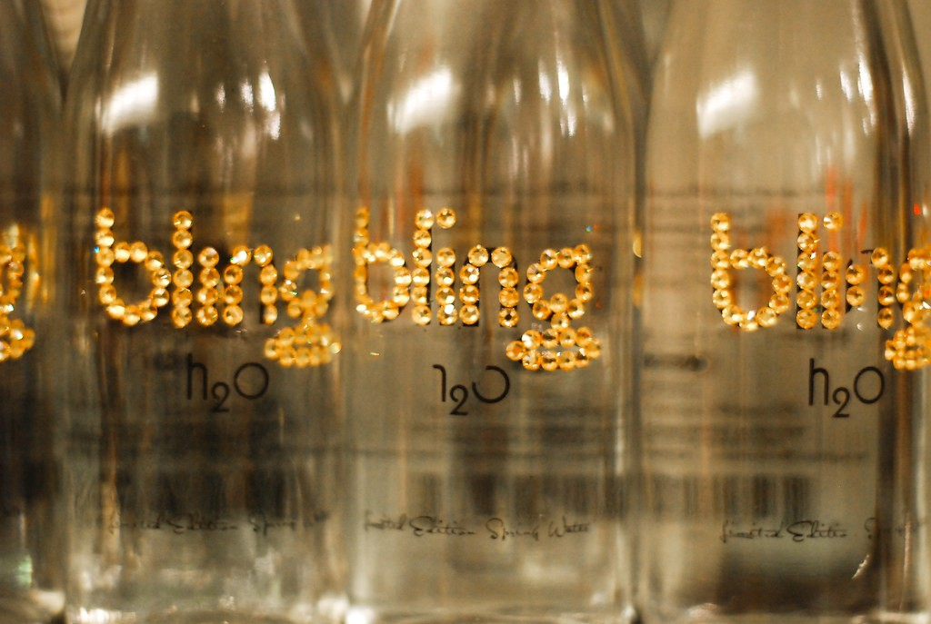 Display Bottled Water Bling H20