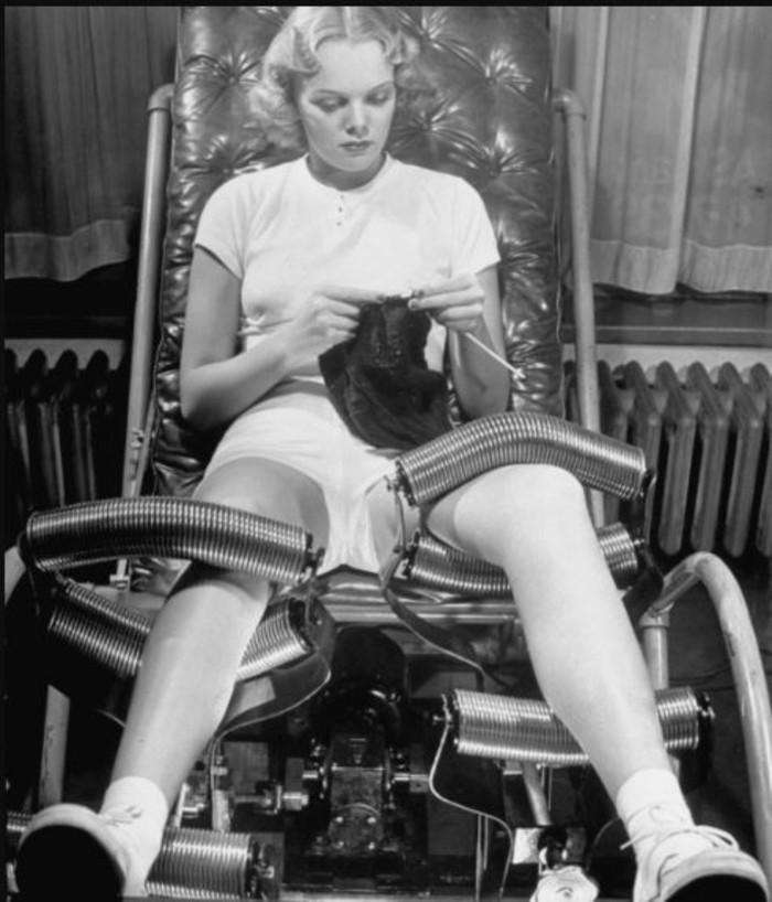 Women in Slenderizing Salon