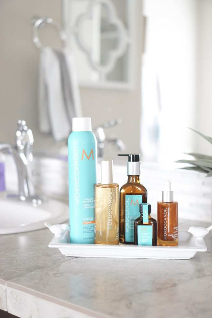 Morrocanoil, argan oil, beauty products, beauty gift ideas, beauty blogger, body oil, hair treatment, hair products, hair oil, shimmering body oil