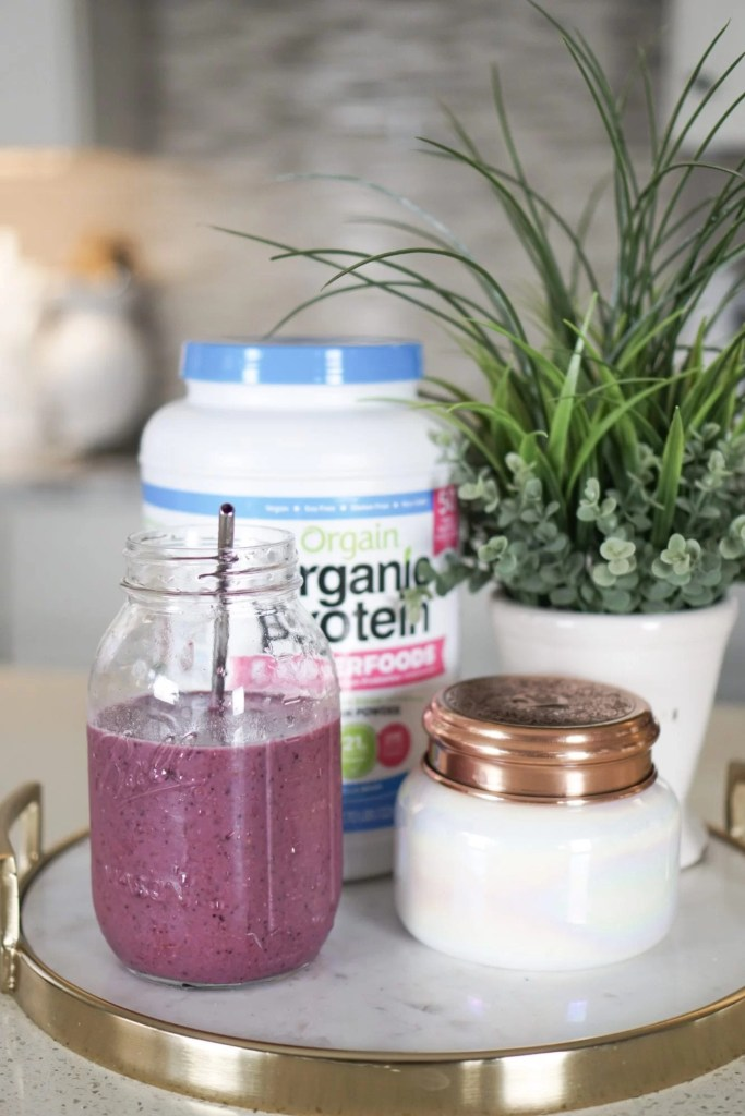 Healthy Smoothie Recipes-vegan protein-protein powder-breakfast ideas-quick lunches-fruit and veggies-smoothies-shakes-healthy living-orgain-organic