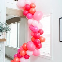 Easy Balloon Garland DIY