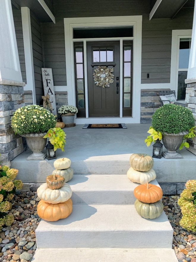 Decorating ideas for outdoor spaces of my Cozy Fall Front Porch