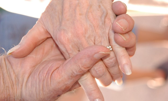 5 Ways to Help Out Your Grandparents In Their Old Age