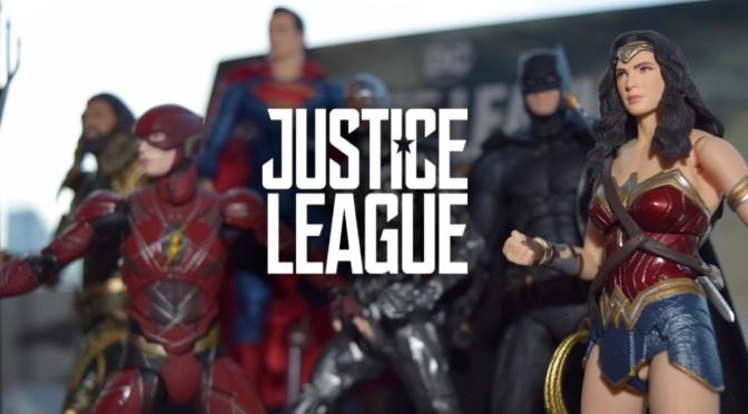 UnBoxing   JUSTICE LEAGUE Action Figures Assembled