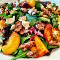 Grilled peach and cambozola salad