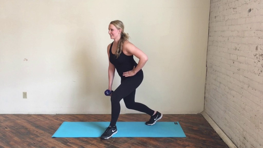 Pulse squat to Curtsy Lunge Exercise