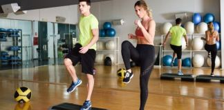 couple in tabata workout class fitness