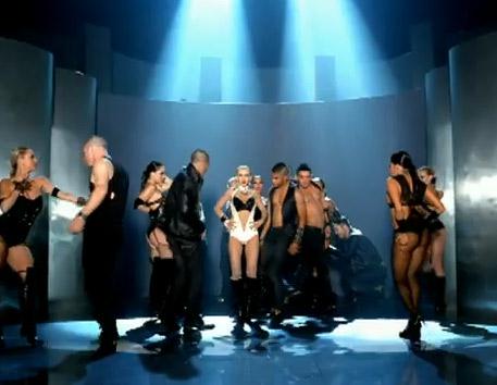 Christina Aguilera –...