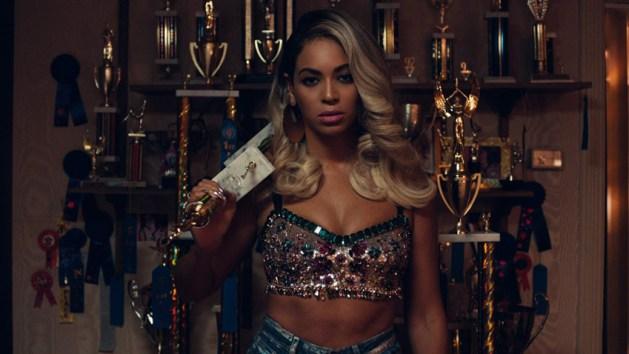 Beyonce-Pretty_Hurts-music_video