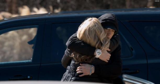 Eminem-Headlights-music_video