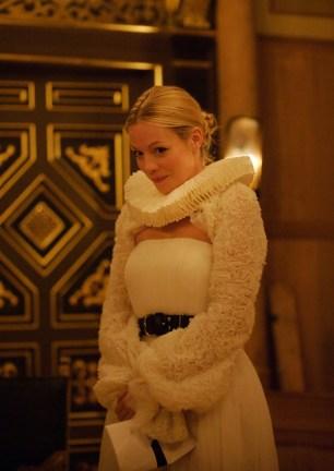 Annabella (Fiona Button)
