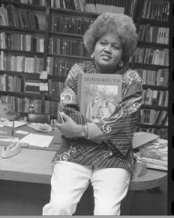 Mayme A. Clayton at UCLA Library, 1973 | Los Angeles Times photographic archives, UCLA Library