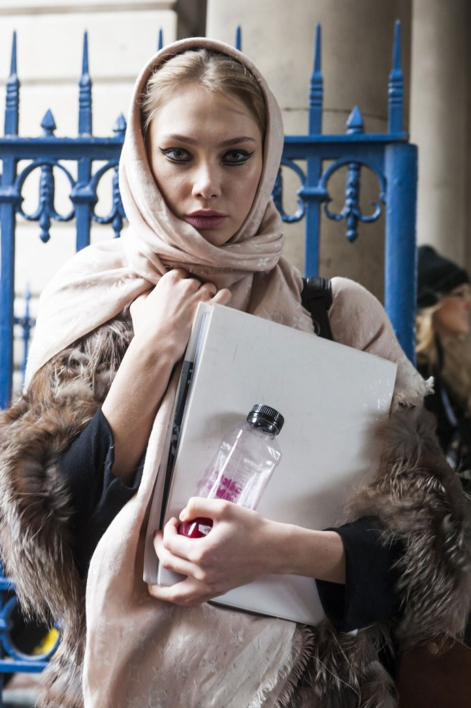 london-street-style-fashion-week-day-1-february-2014-the-impression-theimpression-005