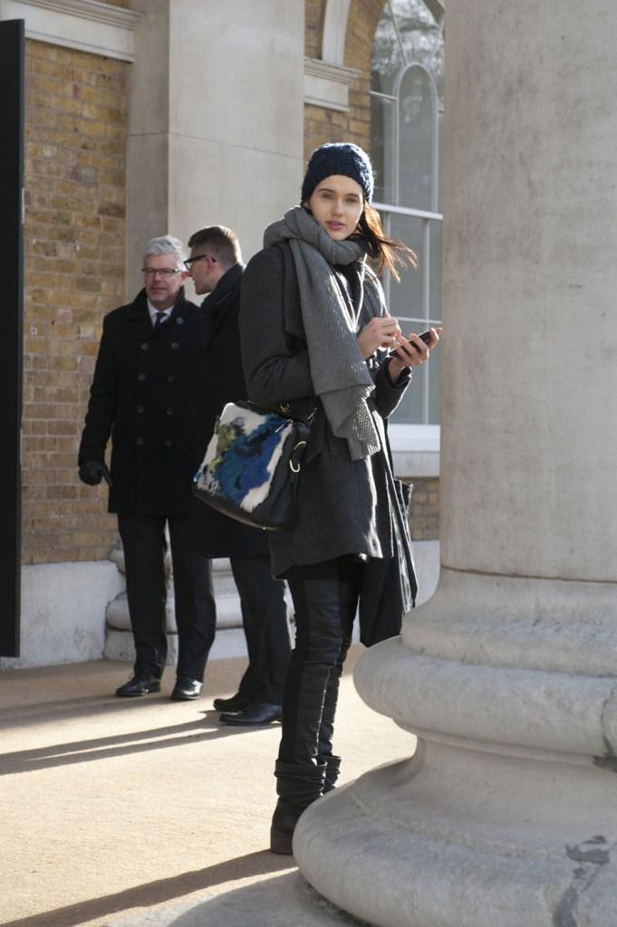 london-street-style-fashion-week-day-2-february-2014-the-impression-theimpression-005