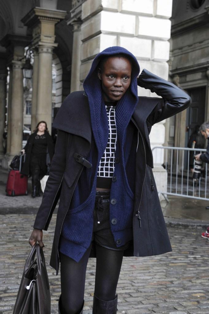 london-street-style-fashion-week-day-2-february-2014-the-impression-theimpression-012