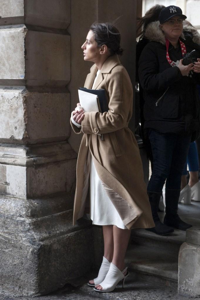 london-street-style-fashion-week-day-2-february-2014-the-impression-theimpression-047