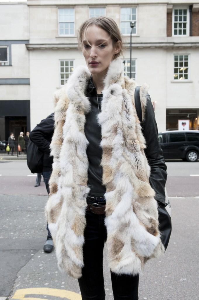 london-street-style-fashion-week-day-4-february-2014-the-impression-theimpression-027