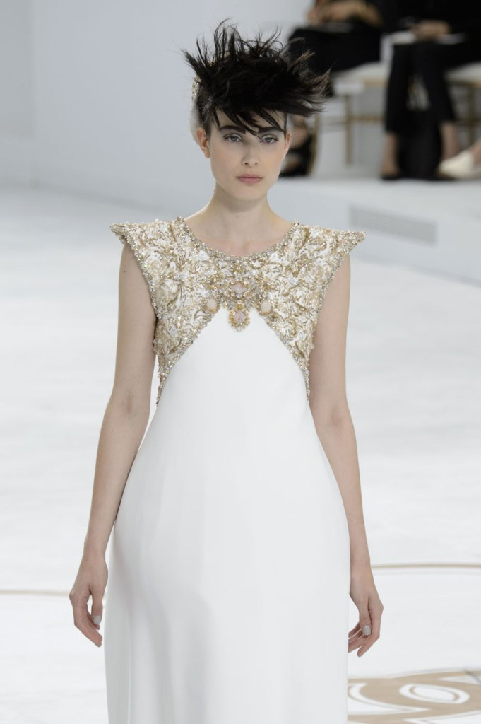 chanel-couture-runway-fashion-show-the-impression-fall-2014-067