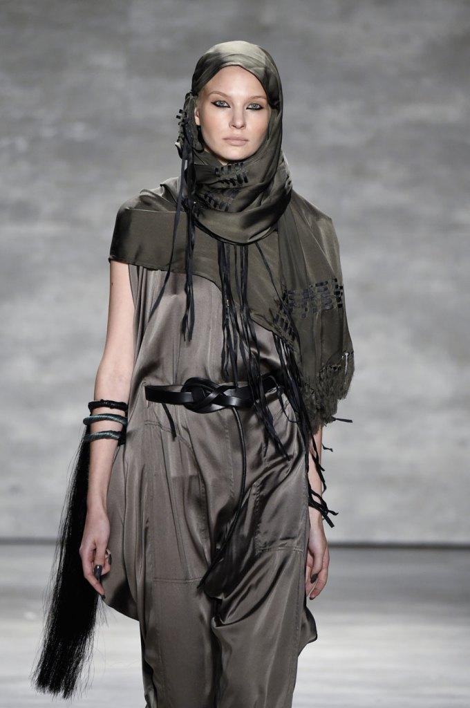 Nicholas-K-spring-2015-runway-fashion-show-the-impression-012