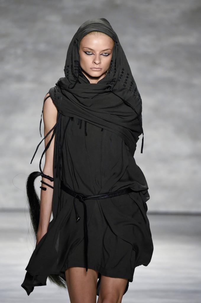 Nicholas-K-spring-2015-runway-fashion-show-the-impression-016