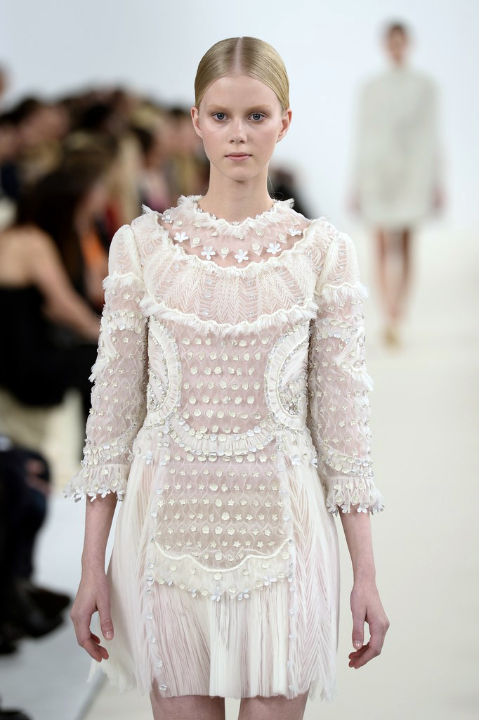 valentino-haute-couture-2015-the-impression-06