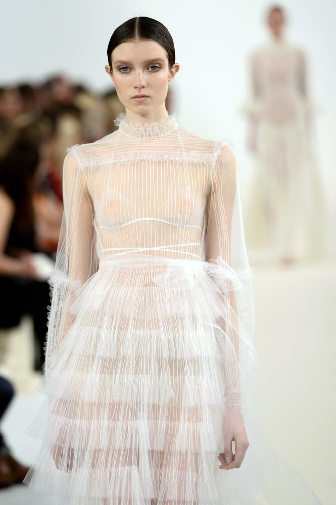 valentino-haute-couture-2015-the-impression-86