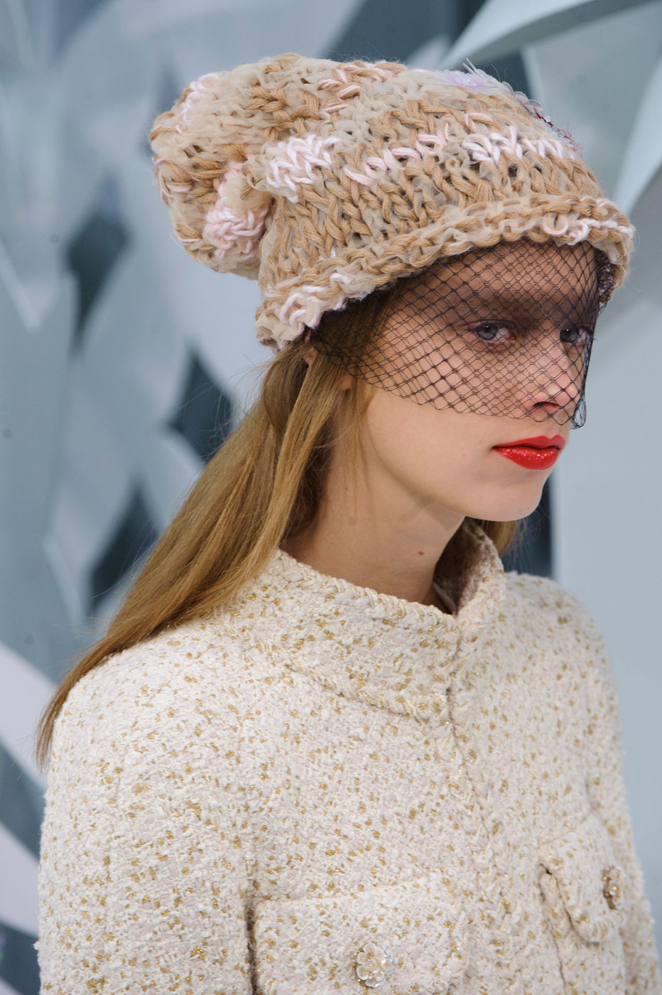 Chanel-fashion-runway-show-close-ups-haute-couture-paris-spring-summer-2015-the-impression-035
