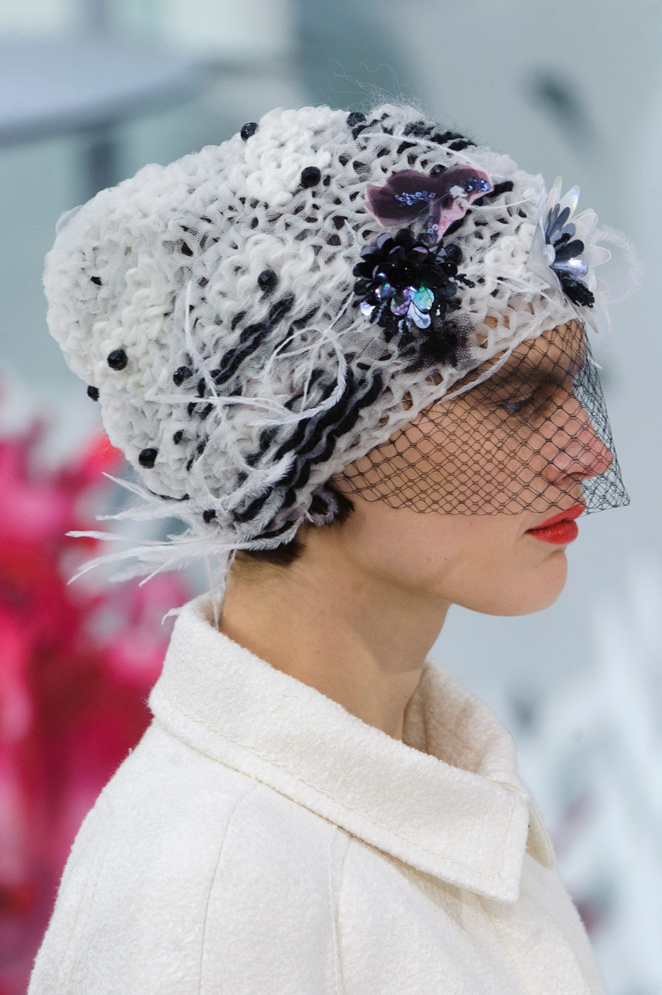 Chanel-fashion-runway-show-close-ups-haute-couture-paris-spring-summer-2015-the-impression-036